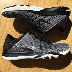 Nike Free TR 6 size 8 1/2.  Black and White.